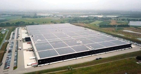 World's largest solar roof installed on top of Dutch warehouse