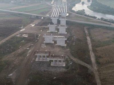 Infrastructură | Pe șantierul Autostrăzii A3 constructorul Straco este de negăsit