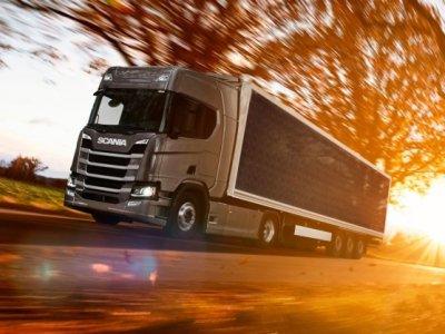 Napelemes kamiont tesztel a Scania. A spanyoloknak 2x annyira megéri majd, mint a svédeknek