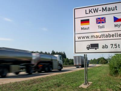 Vokietija nori įvesti rinkliavą lengviesiems sunkvežimiams