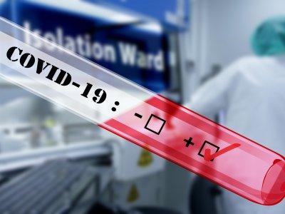 Francja zmienia przepisy w sprawie testów na COVID-19. Kierowcy przypływający z Irlandii nie muszą okazywać wyników