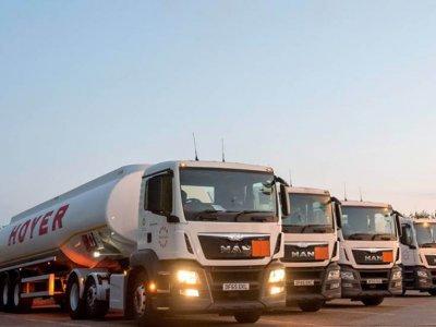 Marea Britanie | Șoferii de cisterne de combustibil vor intra în grevă timp de 2 săptămâni; se așteaptă perturbări majore în transporturi