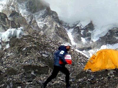 Transport Black Hawka i przesyłka na Mount Everest, czyli dlaczego szybkość jest ważna w transporcie
