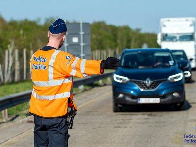 Verschärfte Kontrollen des Mindestabstands in Belgien. Mehrere Dutzend Bußgelder für Lkw-Fahrer an einem Tag
