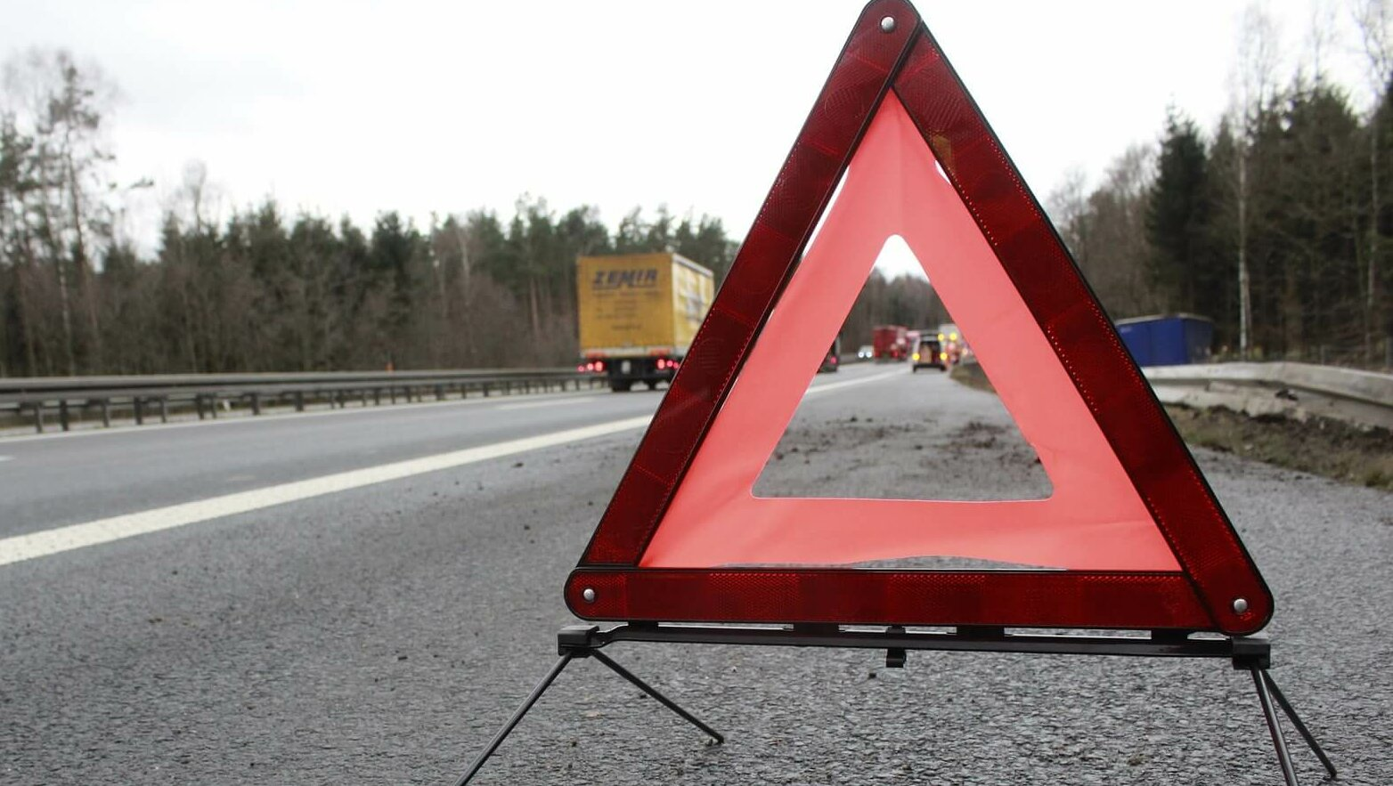 Tragiczny wypadek na Mazowszu. Nie żyje pięć osób, droga zablokowana