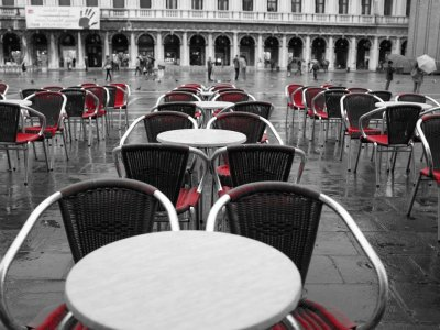 All eateries in Italy ordered to close at 6pm