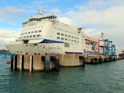 Large ferry firms win UK Government contract for supply of critical goods