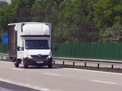 Palapinė nesiskaito? Prancūzija išsklaido abejones dėl poilsio transporto priemonėse iki 3,5 t draudimo