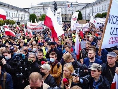 Ūkininkų protestas Lenkijoje. Traktoriai užblokuos visus šalies maršrutus
