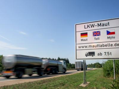 Германия хочет ввести в ЕС дорожные сборы для легких грузовиков