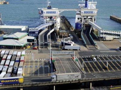 """Tarp Europos Sąjungos ir Didžiosios Britanijos važinėja 2,3 mln. sunkvežimių. """"Transporto sektorius neįsivaizduoja tokio varianto, kad susitarimas nebus pasiektas"""""""