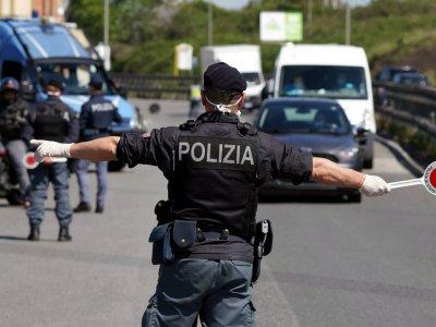 Olaszország egy másik régiója is kijárási tilalmat vezet be. A járművezetőknek nyilatkozat kell!