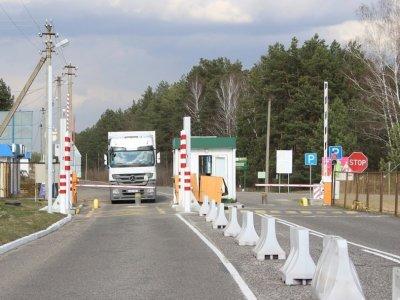 Pasienyje su Baltarusija nusidriekė krovininių automobilių eilės
