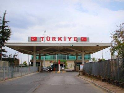 Изменились правила бронирования очередей на переходе в Турции