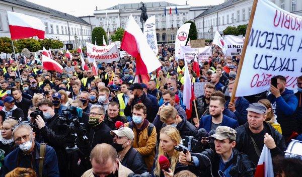 Traktory i obornik na drogach? Protest rolników może sprawić, że trasach w całej Polsce będzie gorąc