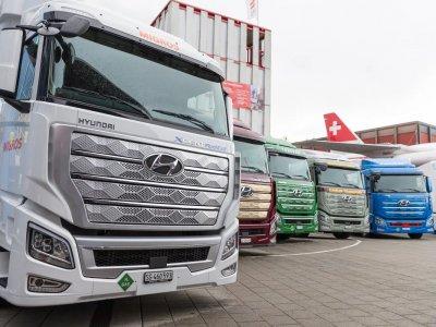 """Pirmieji """"Hyundai"""" sunkvežimiai Europos įmonėms. Pažiūrėkite nuotraukas"""