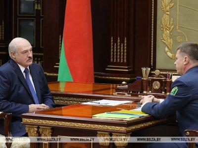 Lukašenka nori aplenkti Lietuvą ir perorientuoti krovinius