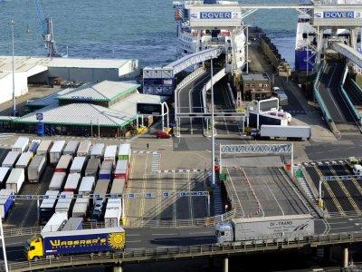 Girteka: Хаос на границах после брексита заставит перевозчиков отказаться от маршрутов в Великобританию
