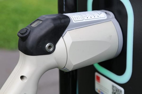 ACEA: Europe lacks charging points to meet rising demand for electric vehicles