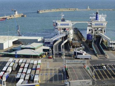 UNTRR și alte 32 de asociații ale transportatorilor din Europa au transmis o scrisoare deschisă către autoritățile britanice