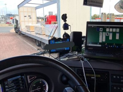 Lorry driver fined for playing solitaire while driving on M25
