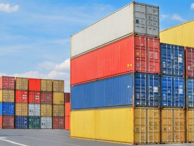 Deficitul comercial al României a scăzut cu un miliard de euro în primele trei trimestre ale acestui an