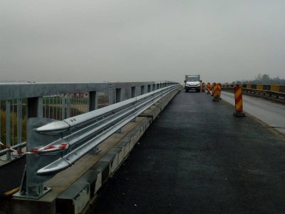 Info Trafic | S-a ridicat restricția pentru vehiculele de peste 7,5t pe podul de la Slobozia