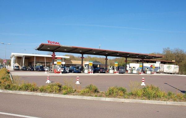 Groźby francuskich truckerów poskutkowały. Wkrótce część przydrożnych restauracji zostanie otwarta