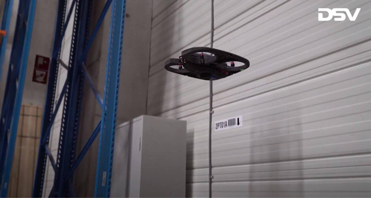 DSV korzysta z autonomicznych dronów. Zobacz, jak pomagają w pracy w magazynie