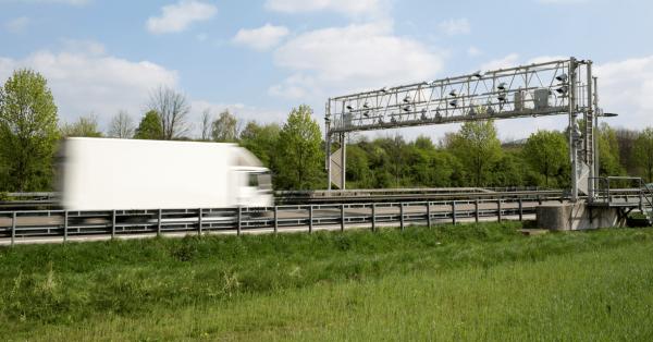 Vokietija grąžina rinkliavas gamtinėmis dujomis varomiems vilkikams. Nauji reglamentai įsigalios jau