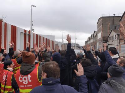 Șoferii francezi de camion amenință din nou cu grevă