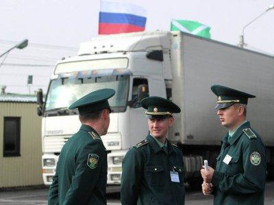 """Rusija """"užblokuos"""" užsienio sunkvežimius. Tiesiogine prasme"""