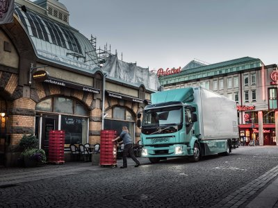 A koronaválság nem tartja vissza a teherautó-gyártókat? Kihasználják a járvány idejét a fejlődésre