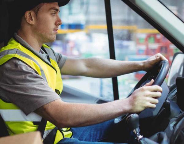 В Испании минимальный возраст водителей снижен до 18 лет. Это один из способов борьбы с дефицитом да