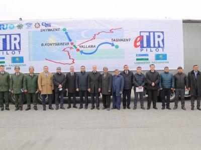 Из Казахстана в Узбекистан отправлен первый груз по процедуре eTIR