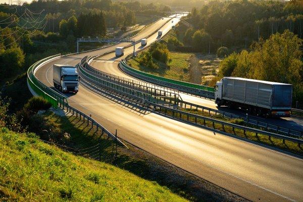 Drogi w Czechach: jak uprościć uiszczanie opłat za przejazd drogami?