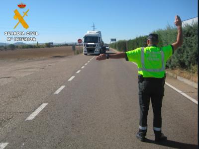 Испания временно отменяет ограничения движения грузовиков