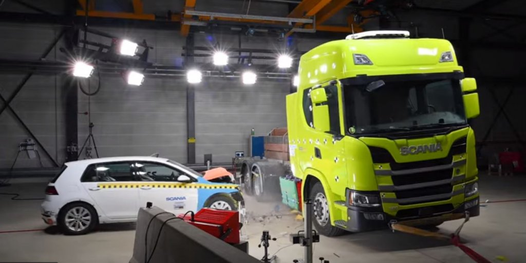 Video: see electric Scania truck go through extensive crash test