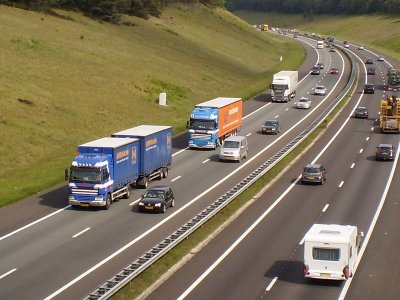 Survey finds almost 50% of lorry drivers in the Netherlands break rest rules