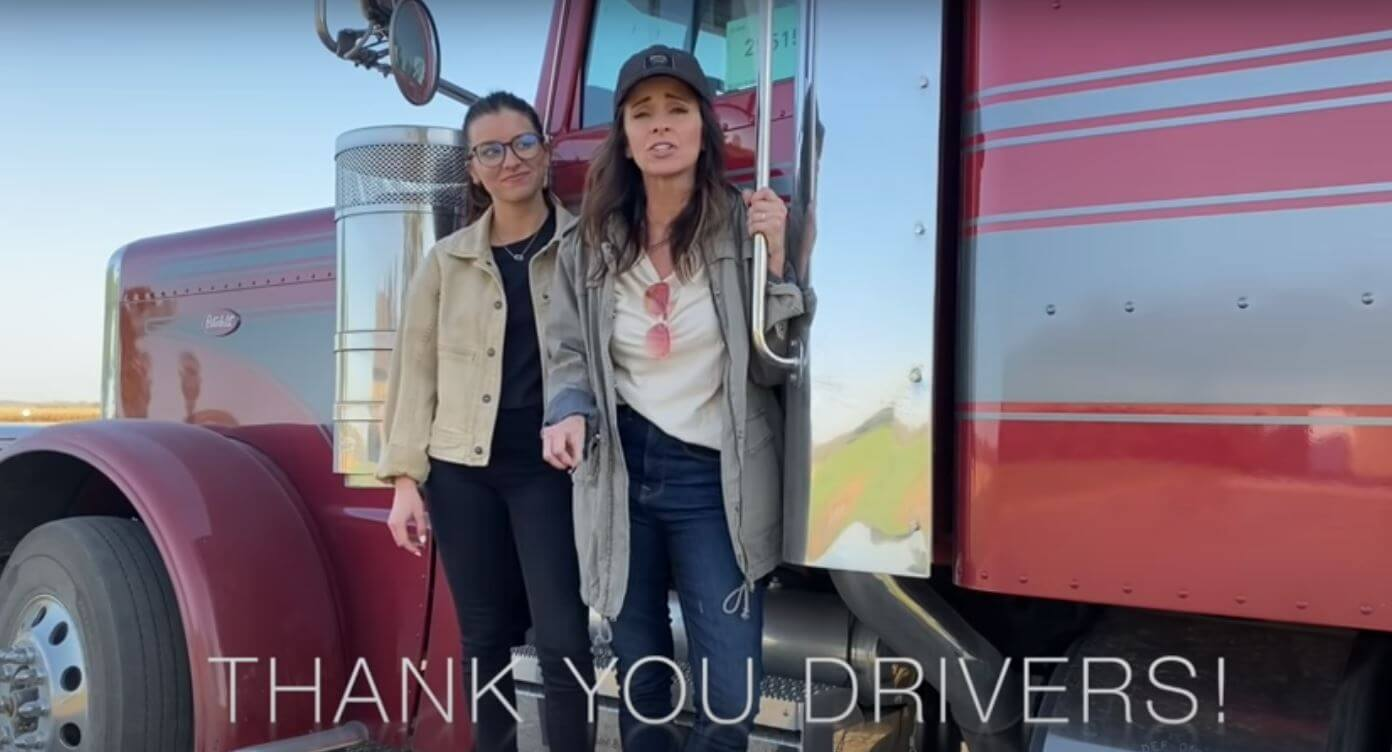Video: office workers drive Semi-trailer truck for the 1st time