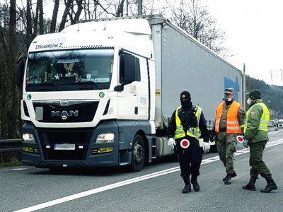 Словакия изменила правила РТО водителей и приостановила праздничные запреты на движение грузовиков