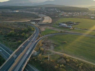 Pe Autostrada Sibiu-Pitești tronsonul 1 ritmul lucrărilor este extrem de bun