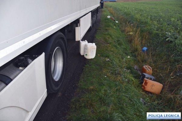 Воры топлива из грузовиков пойманы с поличным на популярной среди водителей стоянке