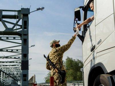Vengrija panaikino krovininių transporto priemonių eismo apribojimus