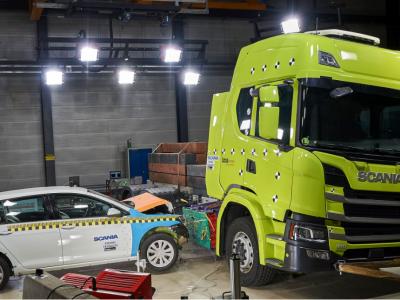 Warum sich der Crashtest eines elektrischen Scania-Trucks von Crashtests eines Lkw mit Verbrennungsmotor unterscheidet? [VIDEO]
