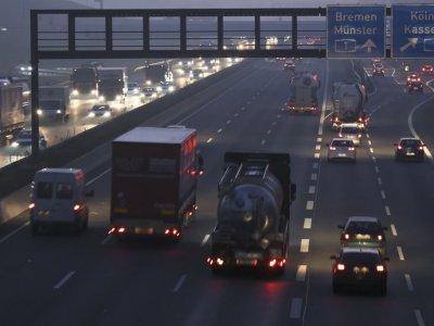 Anumite landuri germane ridică restricțiile de duminică pentru camioane