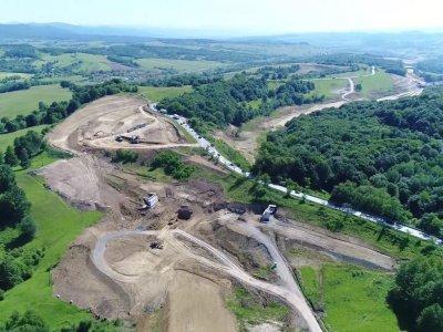 La aproape 10 ani de la lansarea proiectului Autostrăzii Lugoj-Deva, suntem departe de finalizarea sa și în același timp buni de plată
