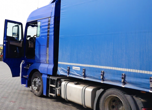 """Lorry driver warns of """"absurd"""" fines for taking short nap in car park near Rotterdam"""