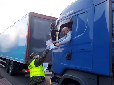 Ile zarabiają polscy kierowcy ciężarówek? Czy koronawirus wpłynął na wysokość pensji?