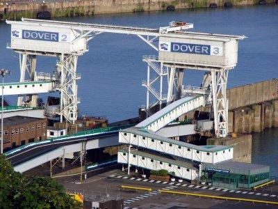 Już po Brexicie, a ogromny parking dla ciężarówek pod Dover nadal w budowie